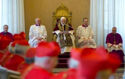 Benedikt XVI. na konzistoriju